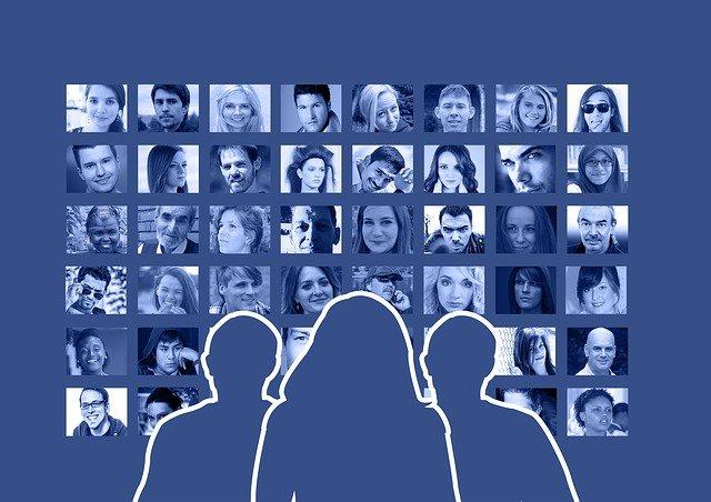 přátelé na facebooku