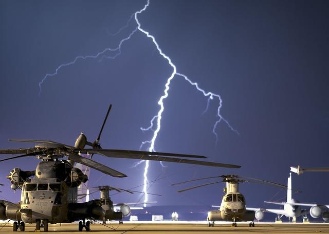 bouřka nad vojenským letištěm