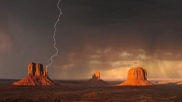 bouřka nad prérií